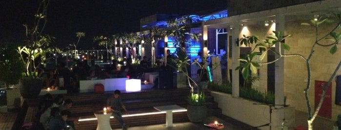 Skybar Ibis Style is one of Maen-maen.