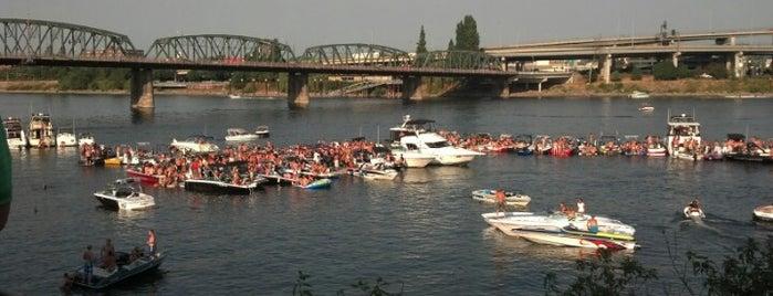 Willamette River is one of Portlandia!.