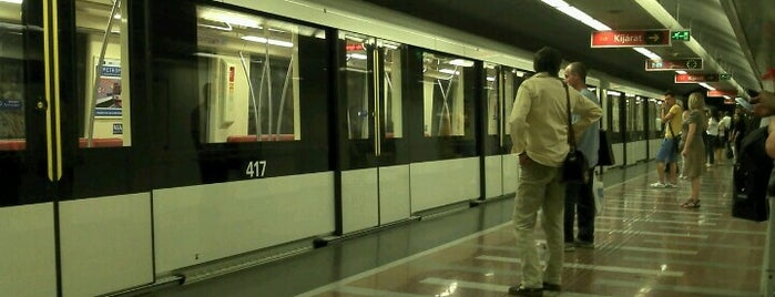 Keleti pályaudvar (M2, M4) is one of Budapesti metrómegállók.