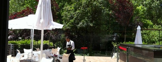 Restaurante Cien Llaves is one of Terrazas Madrid.