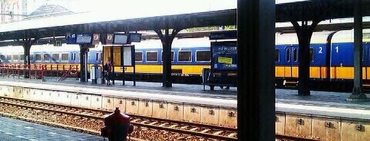 Station Dordrecht is one of Dordrecht.