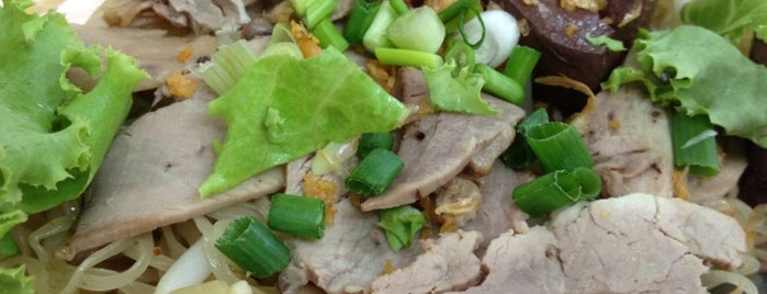 Tida Duck Noodle is one of Guide to the Best Restuarants in Bangkok.