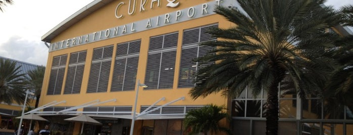 Curaçao International Airport (CUR) is one of Turismo.