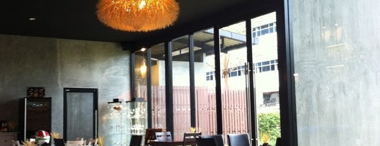Millet Bar & Bistro is one of 주변장소5.