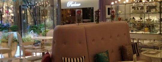 Parlour HAUTE COU-TEA is one of Coffee&desserts.