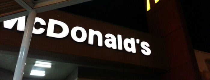 McDonald's is one of lugares arica.