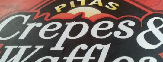 New Pita Crepes & Waffles is one of Los 100 rincones imperdibles de Santiago.