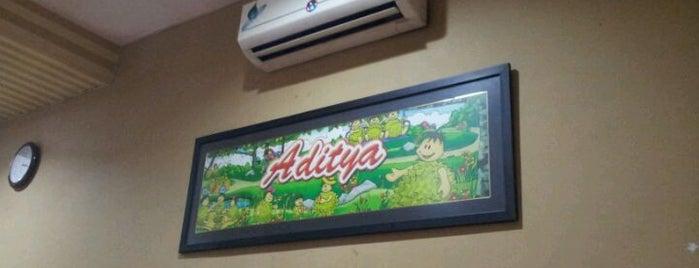 Ketan Duren & Sus Duren Aditya is one of Kuliner Wajib @Surabaya.