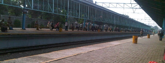 Stasiun Pasar Minggu is one of activity goes to campus.