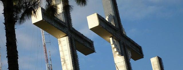 Monumento de las Tres Cruces is one of Top 10 Mejores Lugares de Cali.