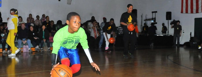 Alfred E. Smith Recreation Center is one of Popular Basketball Courts in NYC Parks.