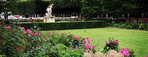 Jardin du Palais Royal is one of Paris must see.
