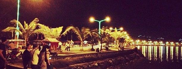 Embarcadero de Legazpi is one of Foodtrip.