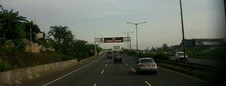 Jalan Tol Ulujami - Serpong is one of Places in Pamulang. Tangerang..