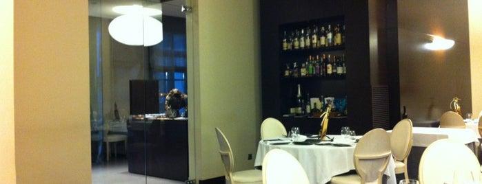 Les Magnolies Restaurant is one of Restaurantes con Estrella Michelin en Catalunya.