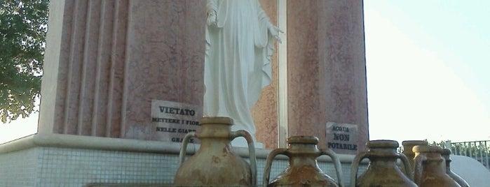 Santuaro S Maria Madrr Della Chiesa is one of ITALY BEACHES.