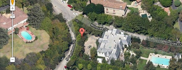 100 N Carolwood Dr is one of Dead Rock Star Tour.