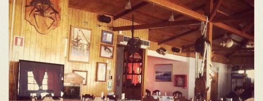 Neptuno Restaurant is one of picadas pa' comer weno.