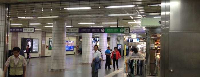 Kkachisan Stn. is one of Subway Stations in Seoul(line1~4 & DX).