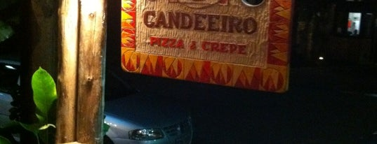 Candeeiro Pizza & Crepe is one of Camburi.