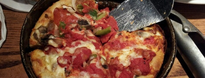 Uno Pizzeria & Grill is one of Eateries.