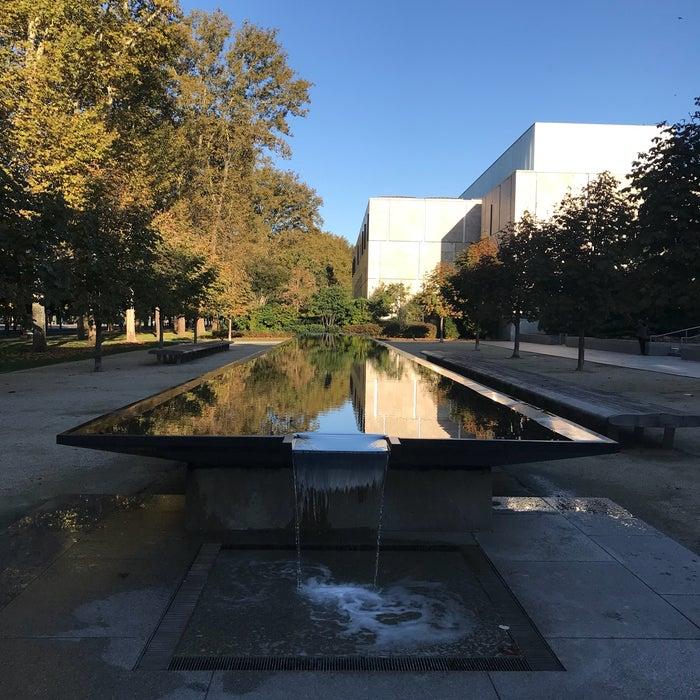 The Barnes in Philadelphia reviews, photos - Logan Square ...