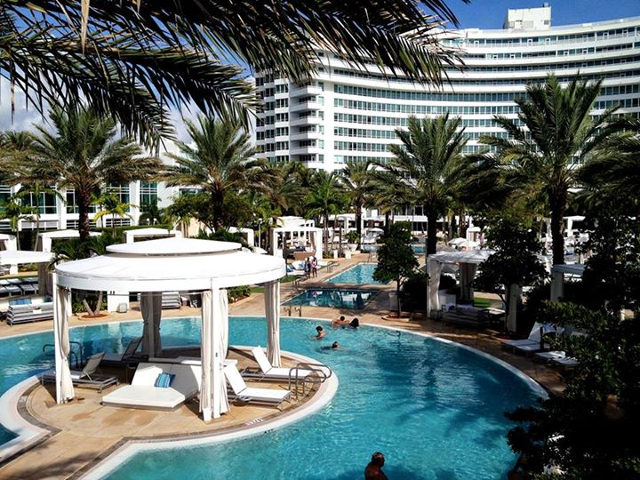 Fontainebleau Miami Beach At 4441 Collins Ave Indian Creek Dr Fl