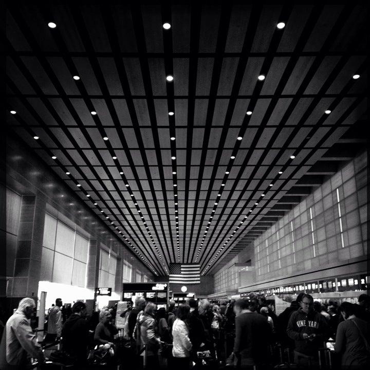 BOS Boston General Edward Lawrence Logan Intl Airport