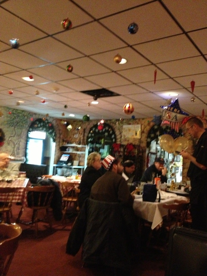 The Italian Kitchen at 648 Deerfield Rd Deerfield, IL - The Daily Meal