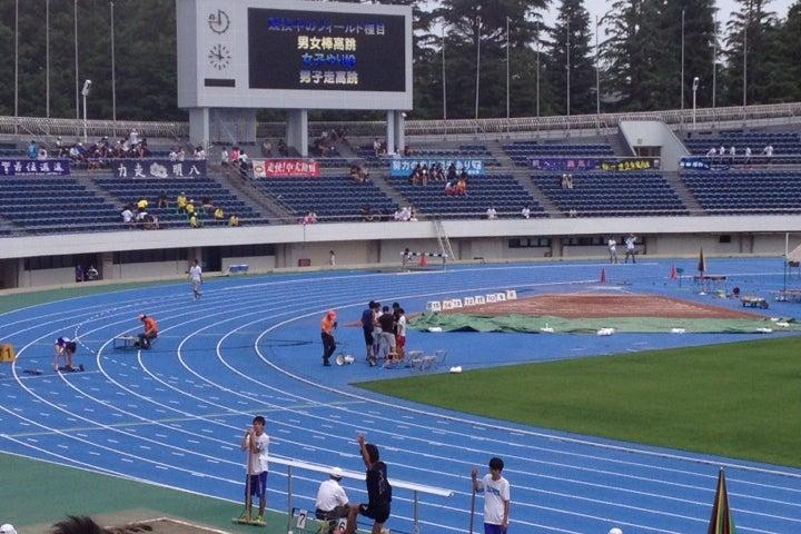駒沢オリンピック公園総合運動場 陸上競技場(東京都)|こころから
