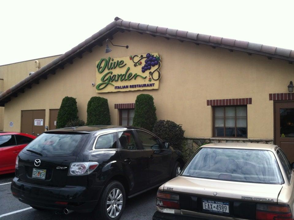Olive garden at 505 gateway dr gateway mall brooklyn ny for Olive garden brooklyn ny 11239