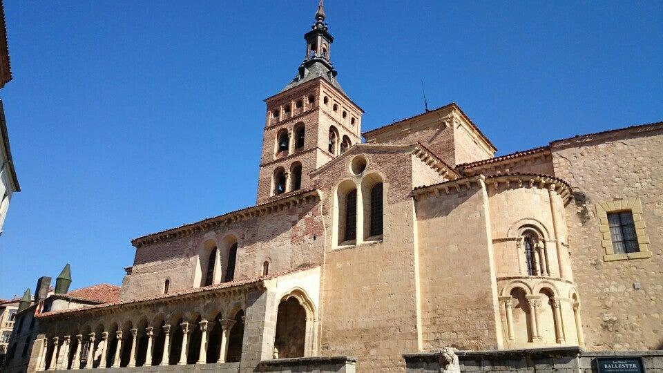 Plazas de San Martín y Medina del Campo