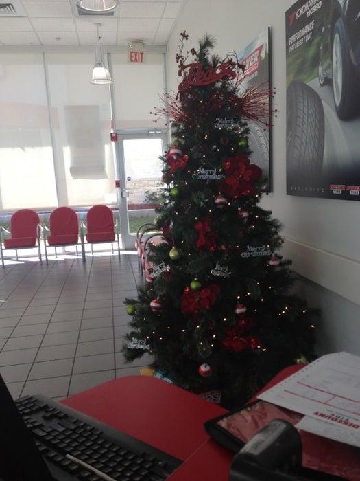 Discount Tire Store 2656 Loop 337 New Braunfels Tx 78130