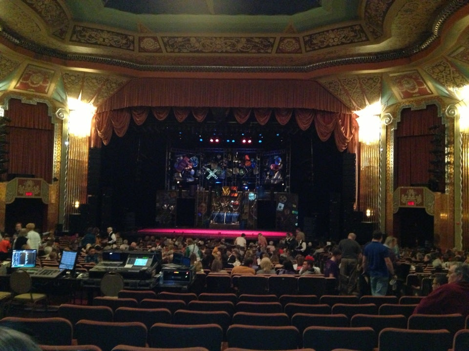 paramount theatre chicago tickets schedule seating