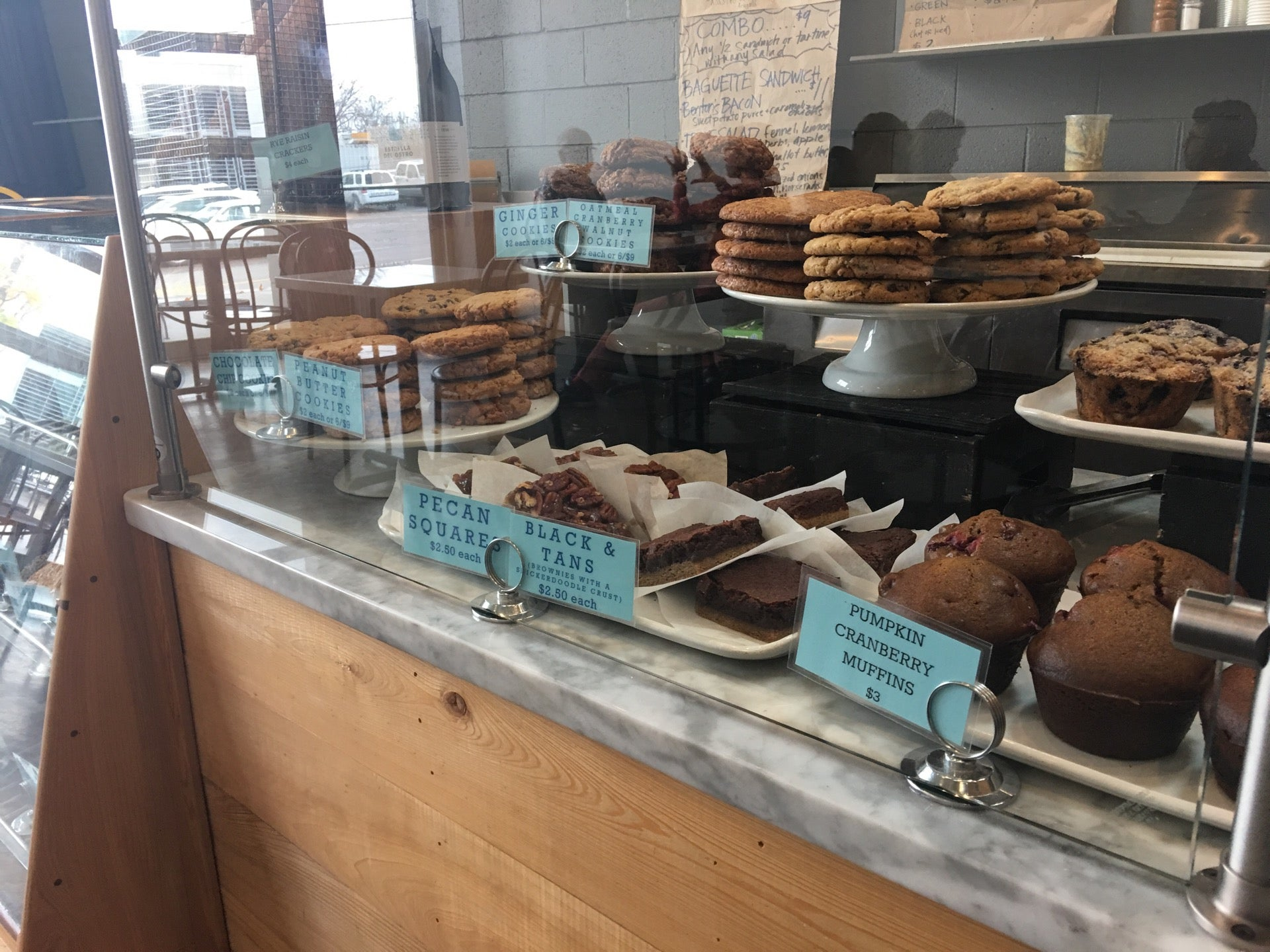 Dozen Bakery,