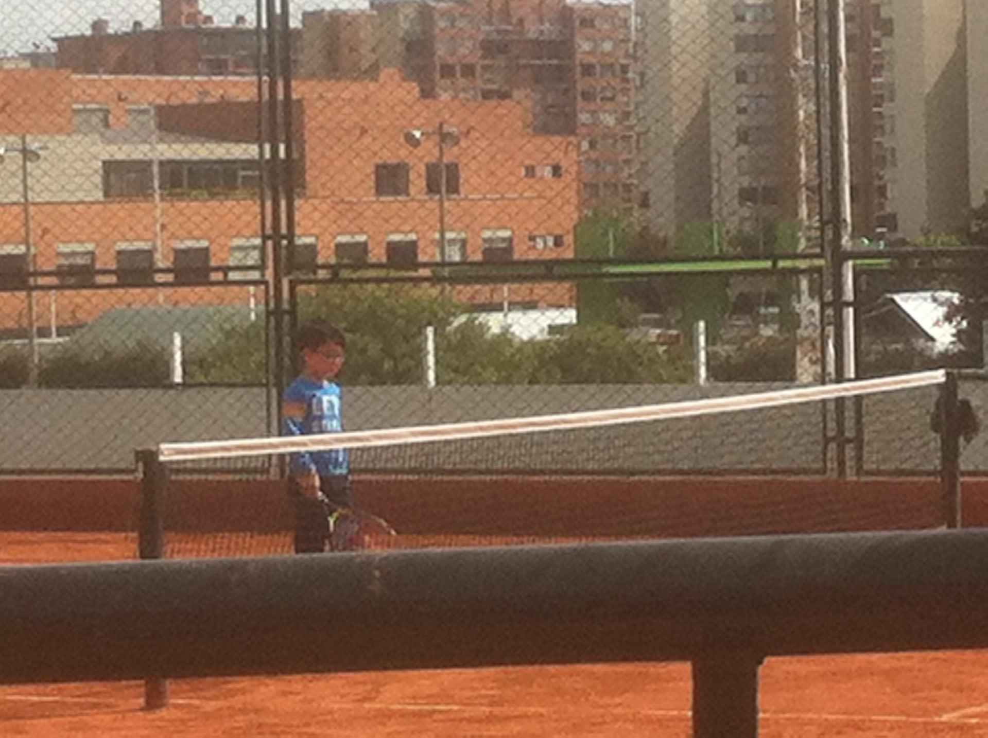 Club la colina colsubsidio clubes deportivos iberia for Polideportivo ciudad jardin