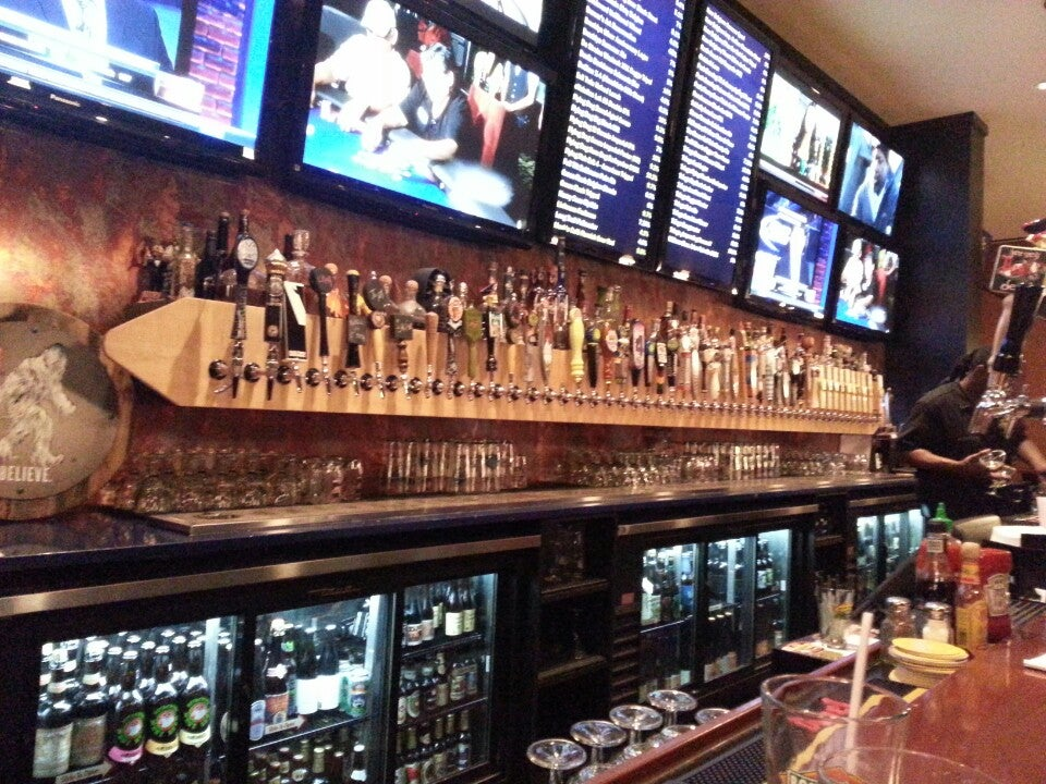 Frisco Grille,@friscotaphouse,beer bar,burrito,craft beer,live music,pizza