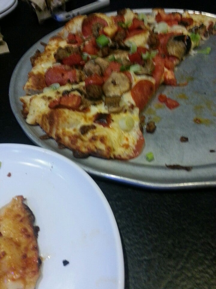 Where Is Round Table Pizza.Round Table Pizza In Monterey Parent Reviews On Winnie