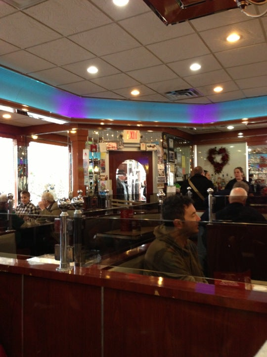 Yankee Clipper Diner in Beacon - Parent Reviews on Winnie