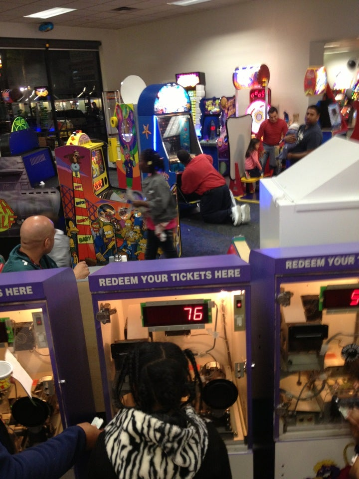Chuck E  Cheese's in Los Angeles - Parent Reviews on Winnie