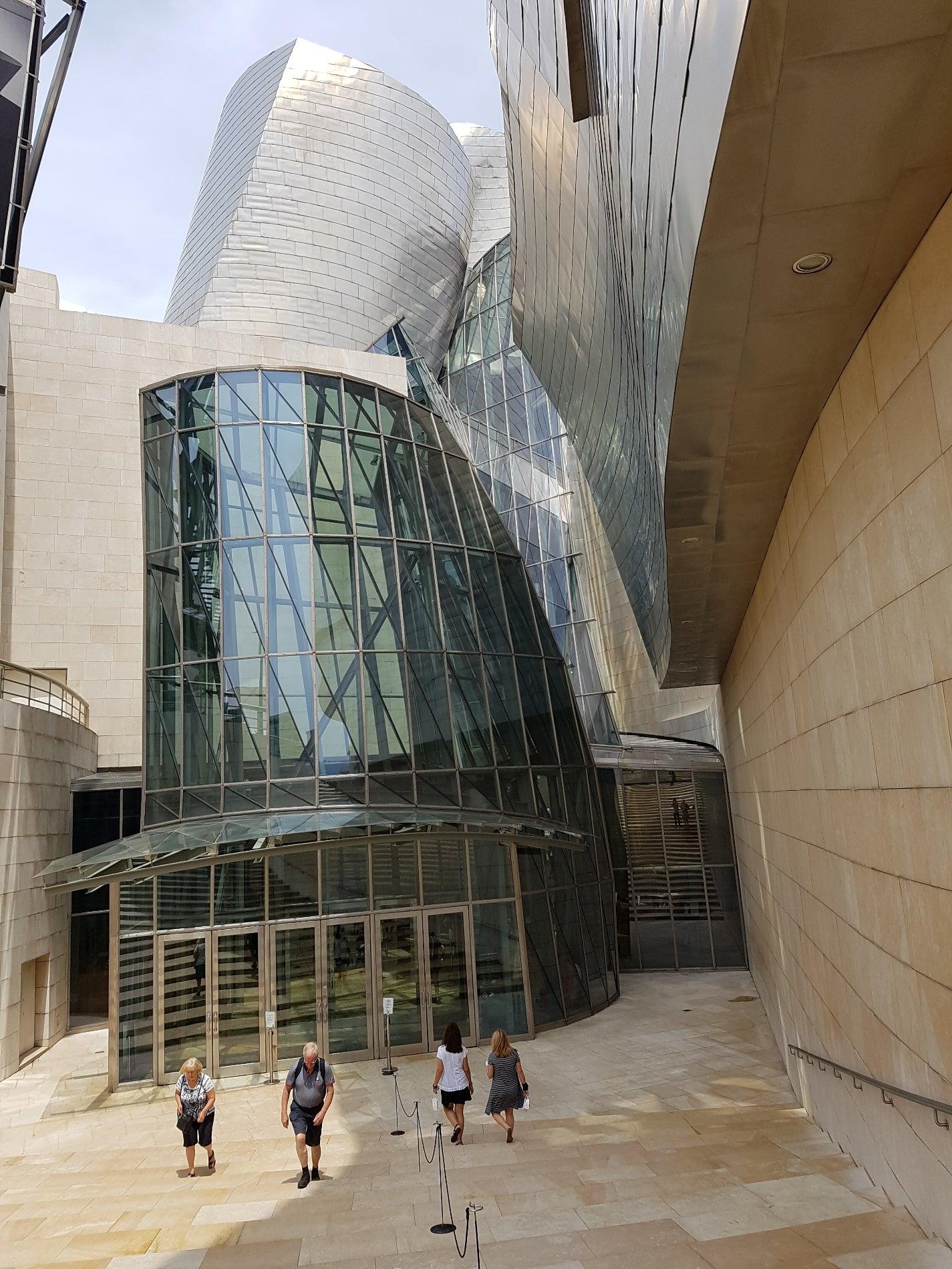 Guggenheim Museum (Museo Guggenheim)