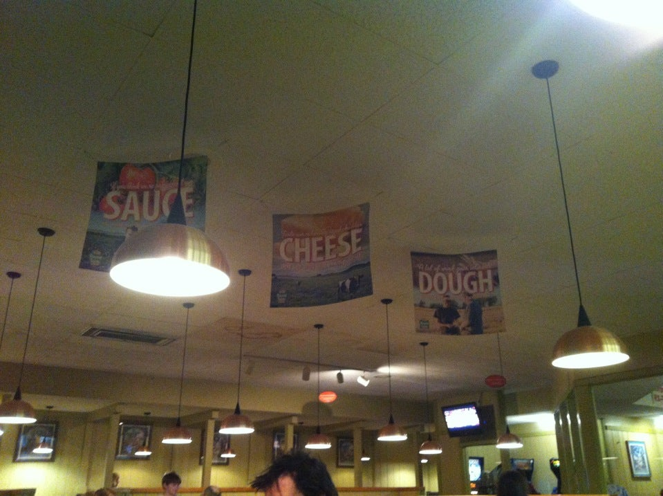 Round Table Pizza Portland Oregon.Round Table Pizza In Portland Parent Reviews On Winnie