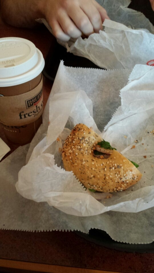 BRUEGGER'S,Bagels,bagels,bakery,coffee,cookies,salads,sandwiches,soups