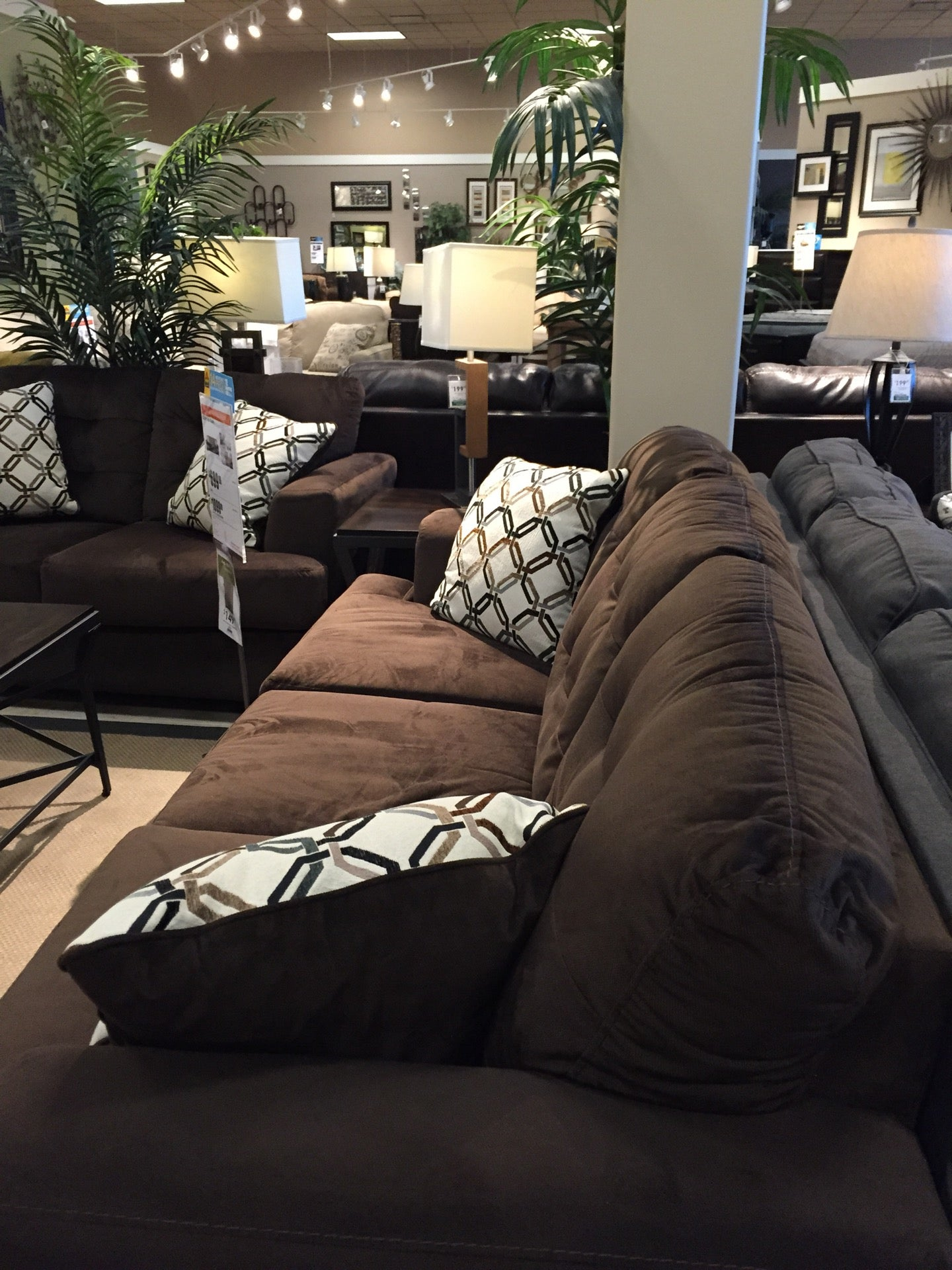 Ashley Furniture Homestore In Burbank Parent Reviews On Winnie