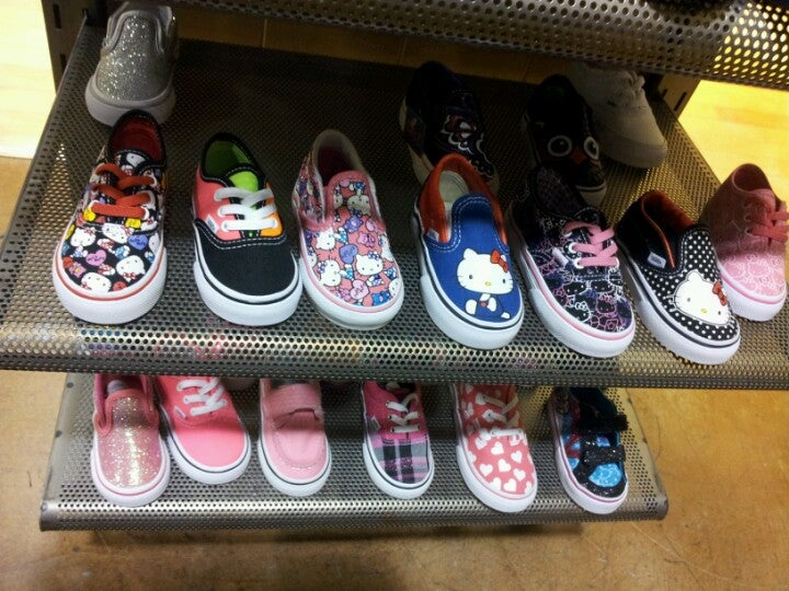 4271efa9d7 South Bay Galleria - Vans Store in Torrance - Parent Reviews on Winnie