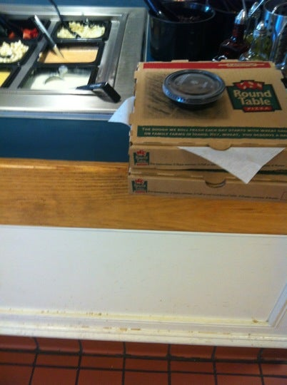 Round Table Pizza Concord.Round Table Pizza In Concord Parent Reviews On Winnie