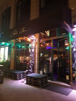 Sharlie Cheen Bar, Berlin - Bars, Clubs und Events weltweit - Banananights