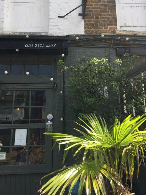 Hugo's Organic Café
