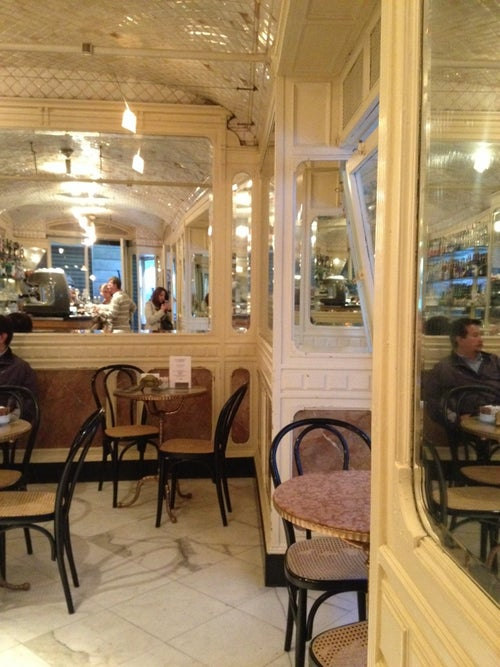 Caff degli specchi caf g nes italie guide de voyage tripwolf - Caffe degli specchi ...
