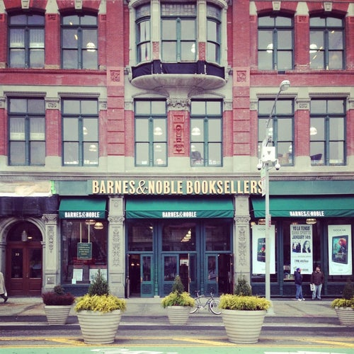 Barnes & Noble_24